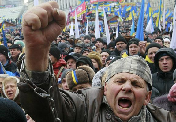 A man shouts slogans during a Dec. 8 rally organized by supporters of the European Union integration at Independence Square in central Kiev, Ukraine. The protests began in late November when Ukrainian President Viktor Yanukovich announced the end of a process to bring Ukraine closer economically and legally to the EU. (CNS photo/Gleb Garanich, Reuters) (Dec. 10, 2013) See UKRAINE-PROTESTS Dec. 10, 2013.